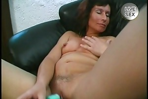 d like to fuck likes to show off her engulfing