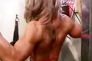 muscle hotty heather shows a workout