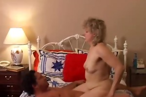 hot cougar can to fuck a younger boy