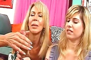 mommy teaches how to give perfect tugjob