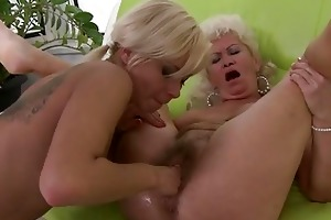 horny granny receives her clunge fin...