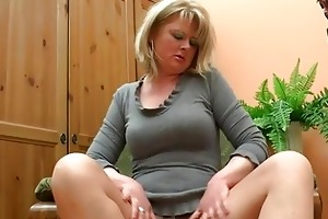 fat older mommy play with her di...