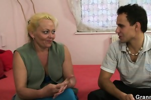 limp oldie widens her legs for young dick