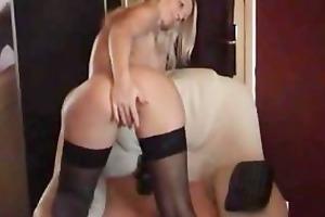 golden-haired sweetheart masturbates on cam