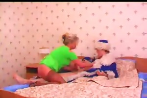 mature blonde cougar fucked by legal age teenager