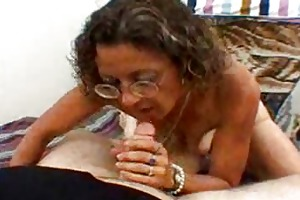 candi the d like to fuck acquires a facial