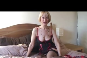 blonde d like to fuck on the couch in nylons