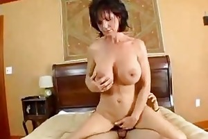breasty mommy deauxma squirts from anal!
