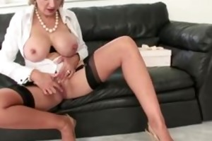 older femdom fetish wench fingering