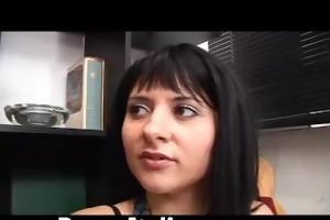 ragazza italiana troia fa pompino a cazzo maturo