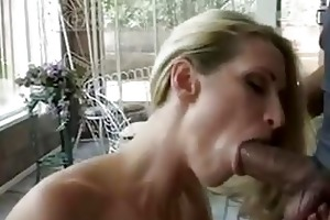 milfs ideal body and sexy holes make a guy happy!