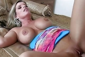 sweet blonde d like to fuck getting her twat