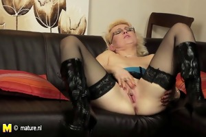 european older mama playing with her sex toy on