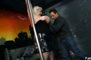massive titted blond disrobes and receives drilled