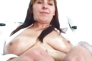 older mama karin shows off unshaved fur pie