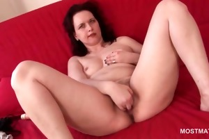 wide spread aged cutie finger fucking her juicy