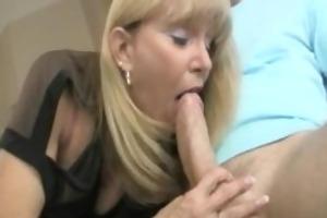 mom sucking jock in bedroom