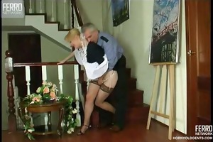mature security dude fucks young beauty