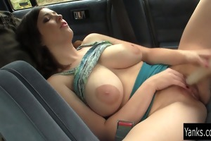 breasty amber toy her pussy in the car