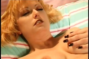 breasty d like to fuck masturbates on daybed