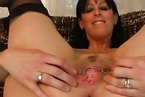 older non-professional spreads her gaping wet
