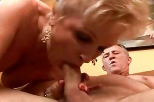 big beautiful woman granny getting her snatch