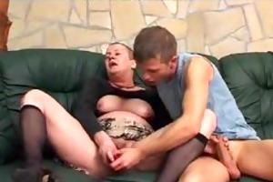 cheveux courts chatte poilue older aged porn