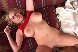 busty hawt momma daphne rosen spreads her tighs