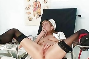 slender mother i nora opens snatch with speculum