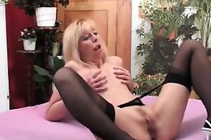 aged woman fucked by a large black knob