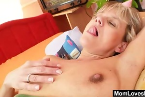 aged housewife lesbo mommys toy each other
