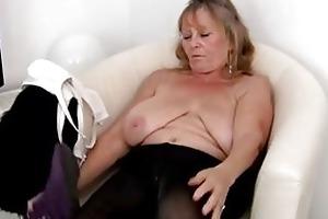 hawt granny masturbating