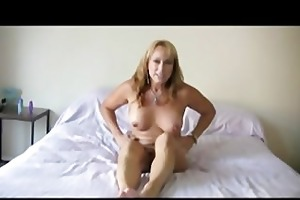 bigtits mommy bliss in the bedroom with her