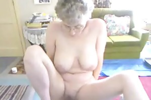 mature woman with saggy boobs