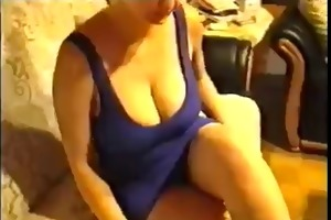 breasty d like to fuck shows off her revealing