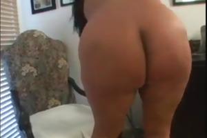 corpulent latin mom masturbating
