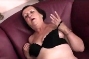 chubby granny plays and fingers big beautiful