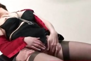 mature lady in stocking and heels receives fucked