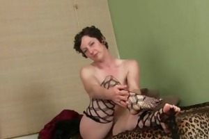 unshaved mama acquires herself off in advance of