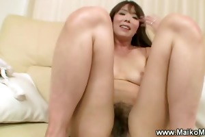 licking a unshaved japanese d like to fuck twat