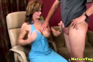 dilettante breasty cougar d like to fuck jerking