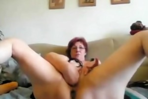 lustful granny fists herself on livecam