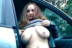 overweight floozy widens her juicy muff on the