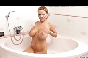 bigtit d like to fuck sharon pink takes a baths