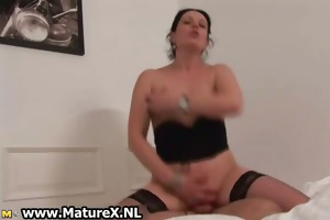 hot housewife receives her love tunnel
