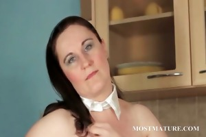 big beautiful woman aged teases her hawt assets
