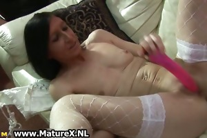 lustful old housewife reaches an agonorgasmos