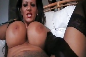 foxy mega titted d like to fuck smokin in