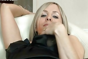 hawt golden-haired d like to fuck in pantyhose