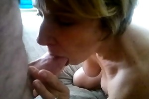 fingering wifes vagina whilst she is sucks my